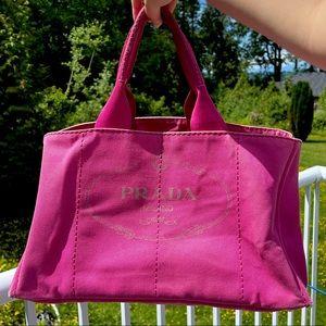 2️⃣6️⃣0️⃣Prada Canapa Tote handbag fuchsia